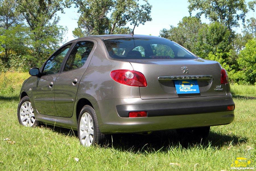 peugeot-207-compact-sedan-1
