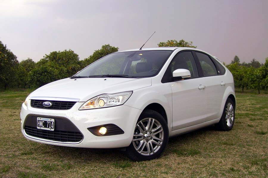 ford-focusII-blan