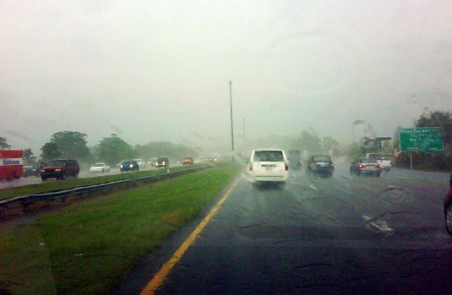 lluvia-en-autopista