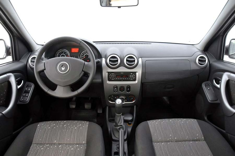 renault-logan-interior