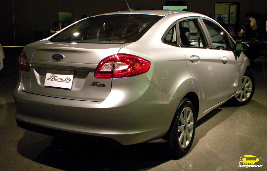 ford-fiesta-kinetic-design-9