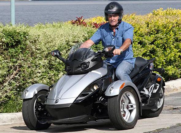 moto o triciclo can am roadster spyder. Black Bedroom Furniture Sets. Home Design Ideas