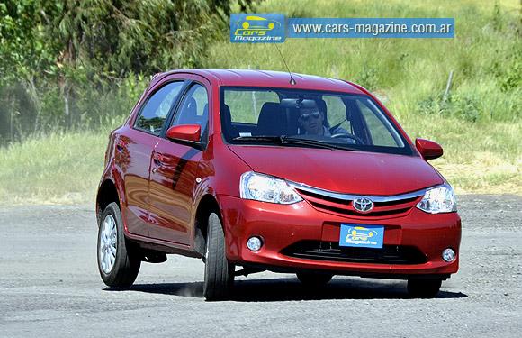 Prueba Toyota Etios
