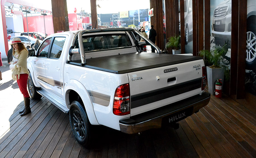 hilux-limited-2