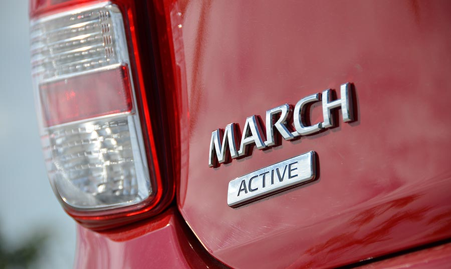 nissan-march-active-3