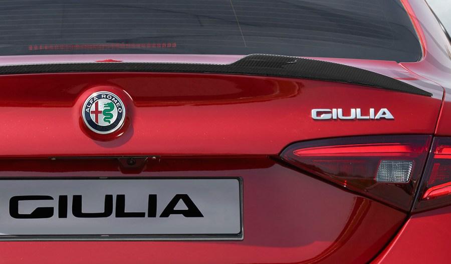 logo-alfa-giulia