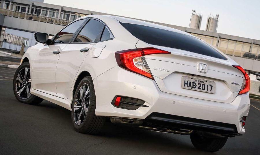 Honda-Civic-Touring-02