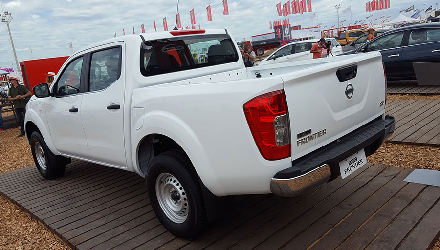 nissan-frontier-np300-se-2