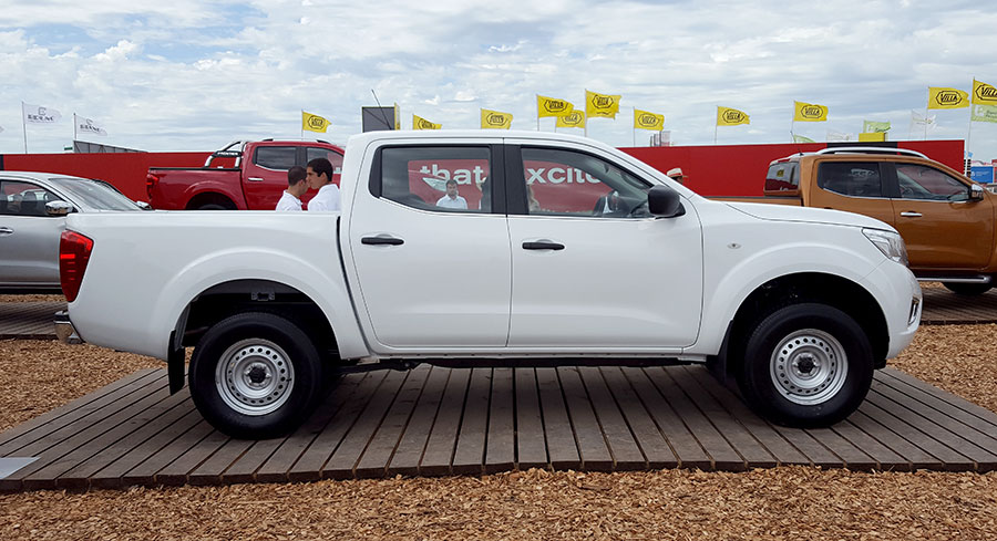 nissan-frontier-np300-se-3