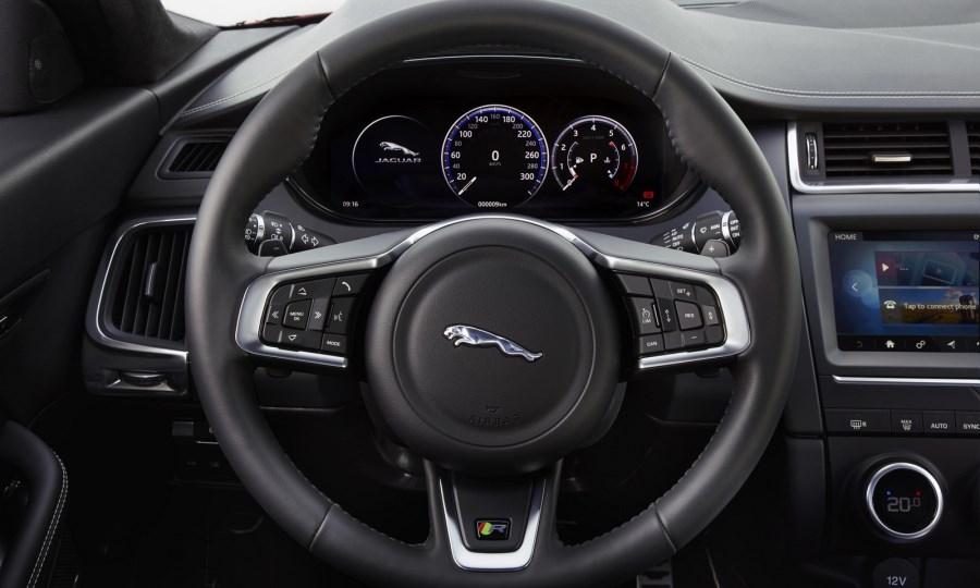 Jaguar-E-Pace -65