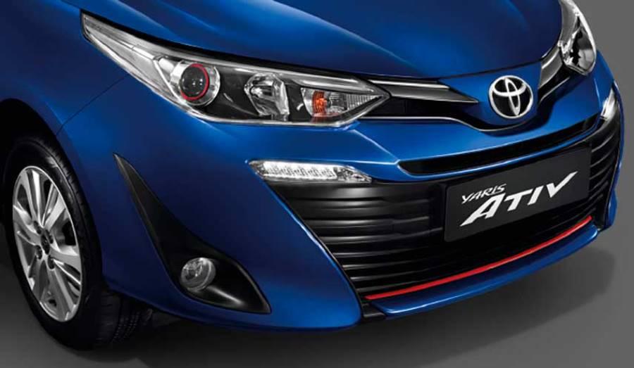 Toyota-Yaris-sedán